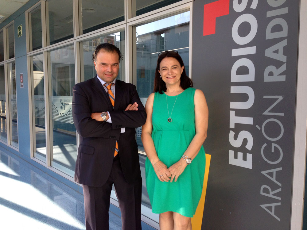 Fernando de Yarza con Rosa Pellicero, directora de Aragón Radio